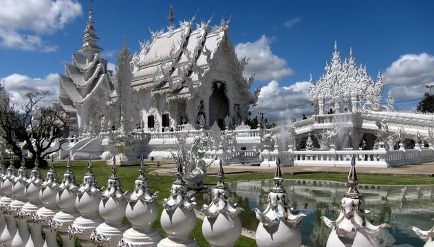 泰国自由行包车 泰国白庙包车