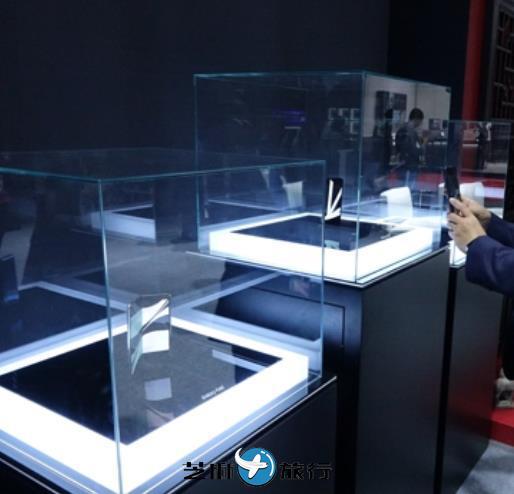 韩国三星折叠机Galaxy Fold亮相中国进博会