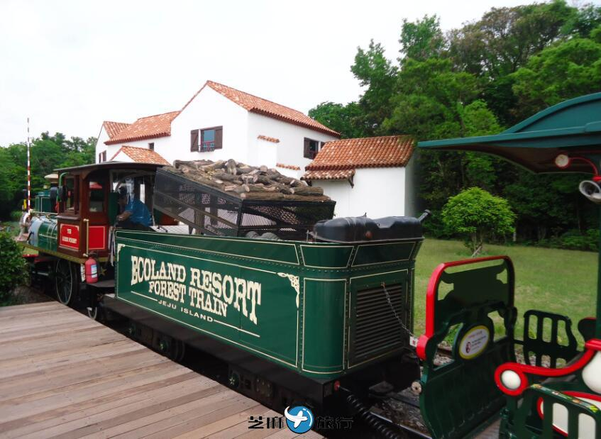 韩国森林小火车ECOLAND+成山日出峰+牛岛潜水艇一日游
