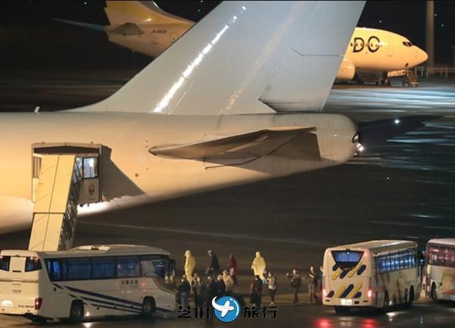 美国派遣包机接归邮轮内美国人 除去已被感染的40人