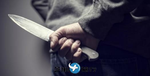 韩国老板不给工资 不能拿刀暴力解决啊